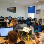 Sala z uczestnikami w trakcie pracy