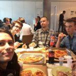 Uczestnicy na posiłku