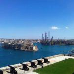 Widok na miasto i zatokę